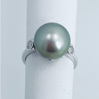 South Sea Black pearl and Diamond Ring